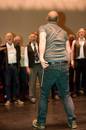 _D443321.jpg Dirigent med taktstokk